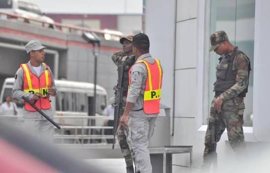 ¿Hay discordia entre los policías y los militares dominicanos?