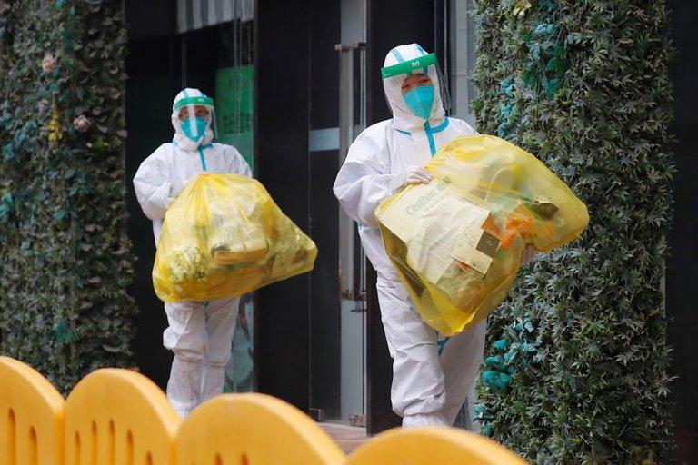 Los expertos de la OMS salieron de su cuarentena en Wuhan para iniciar la investigación sobre el origen del coronavirus