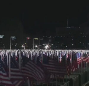 'Field of flags' ilumina Washington DC antes de la inauguración