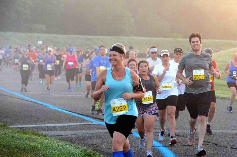 Akron Marathon avanza con planes para carreras presenciales