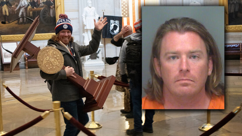 Arrestan a hombre de Florida portando el atril de Nancy Pelosi en disturbios en el Capitolio de Estados Unidos