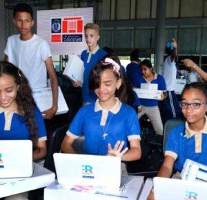 Asesoría del PNUD para equipos de educación virtual cuesta más que aparatos adjudicados