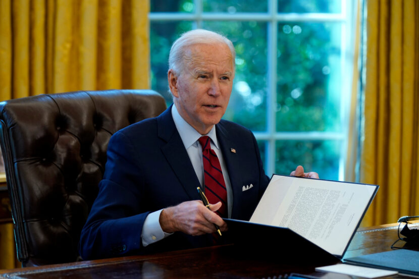 Legisladores republicanos instan a Biden a reunirse con ellos para aliviar el virus