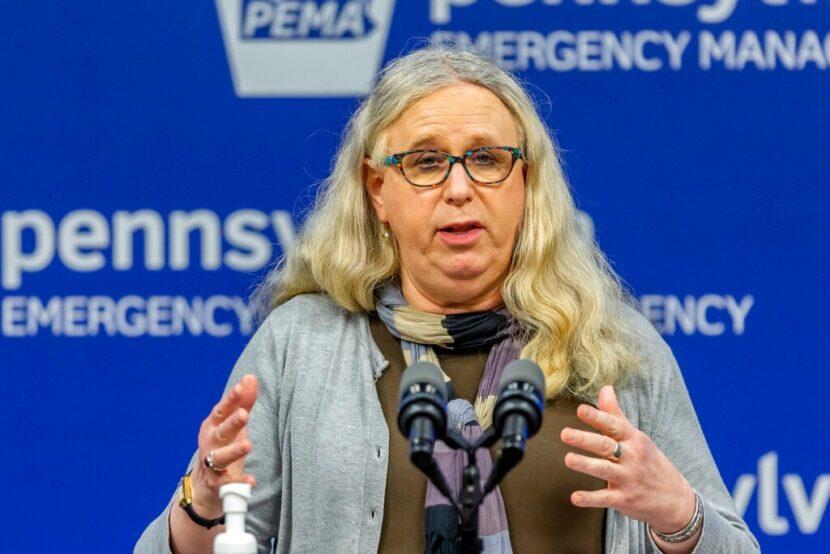 Biden elige a una mujer transgénero como secretaria adjunta de salud