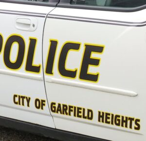 Conductor de Uber atacado por pasajeros en Garfield Heights
