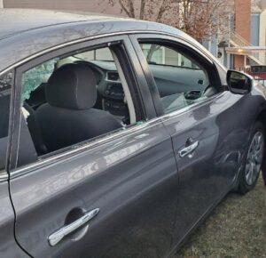 Dos oficiales empujan a un conductor adolescente inconsciente a un lugar seguro en un rescate 'milagroso'