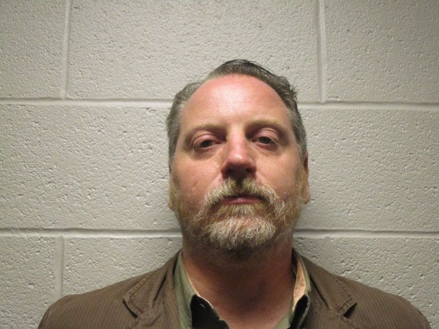 Dueño de bar de Cleveland sentenciado por sobornar a oficial de policía