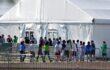 El Departamento de Justicia deroga la política fronteriza de 'tolerancia cero' que resultó en separaciones familiares