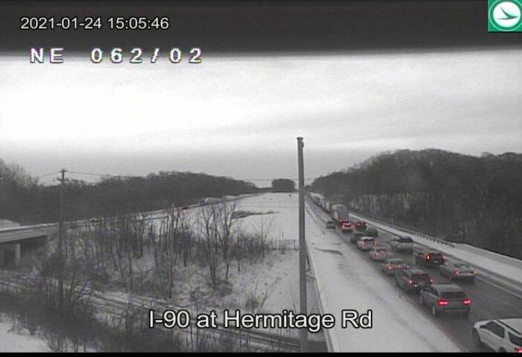 El accidente cierra parte de la I-90 en el condado de Lake, lo que provoca retrasos en el tráfico