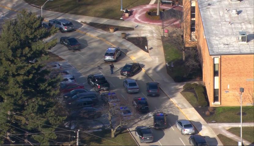 El cierre de Bay High School provocado por un posible incidente de 'aplastamiento', dice la policía