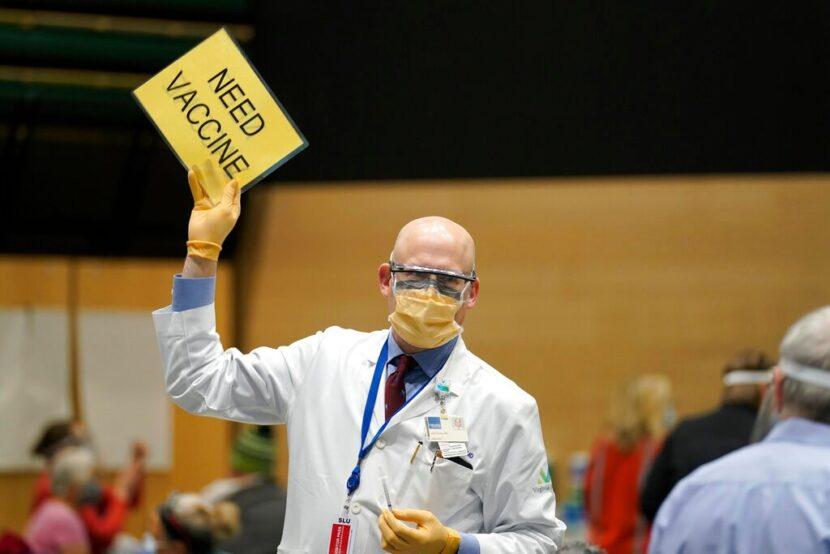 El gobierno impulsa las entregas de vacunas en medio de quejas por escasez