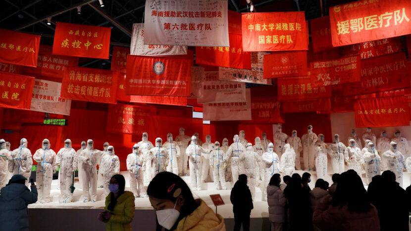 """El jefe de la OMS, """"decepcionado"""" de que China aún no apruebe el ingreso de expertos que investigan el origen de la pandemia"""