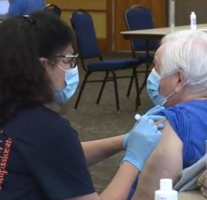 Dosis adicionales de vacuna COVID-19 para los participantes de la Fase 1B, después de que pasaran algunas de la 1A