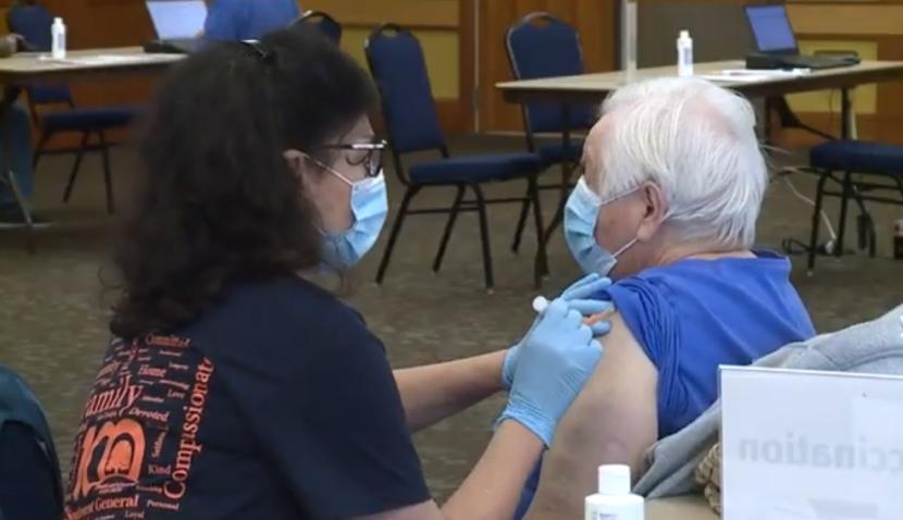 El lanzamiento de vacunas continúa en Middleburg Heights para los mayores de 80 años