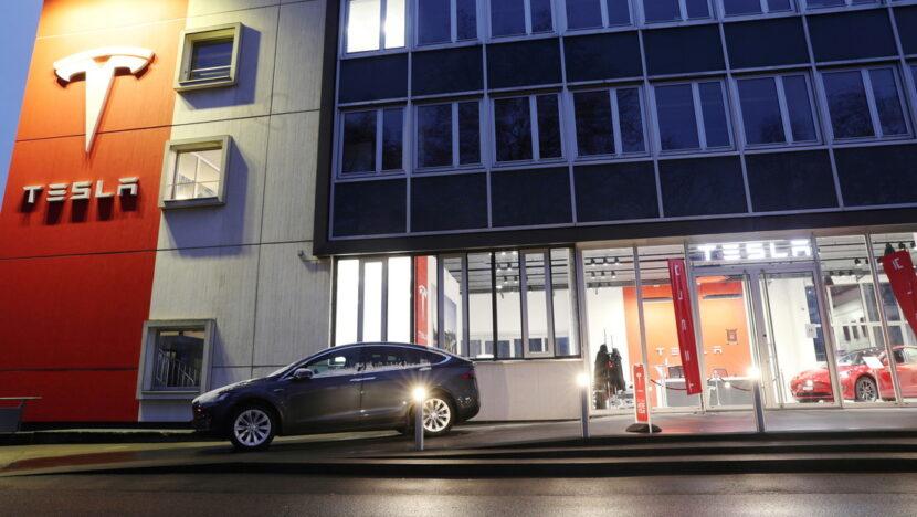 El valor de Tesla supera por primera vez los 800.000 millones de dólares en bolsa