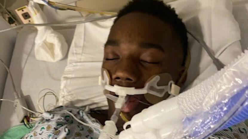 Entrenador deportivo ayuda a salvar al jugador de baloncesto de Shaw High School que sufre un ataque cardíaco