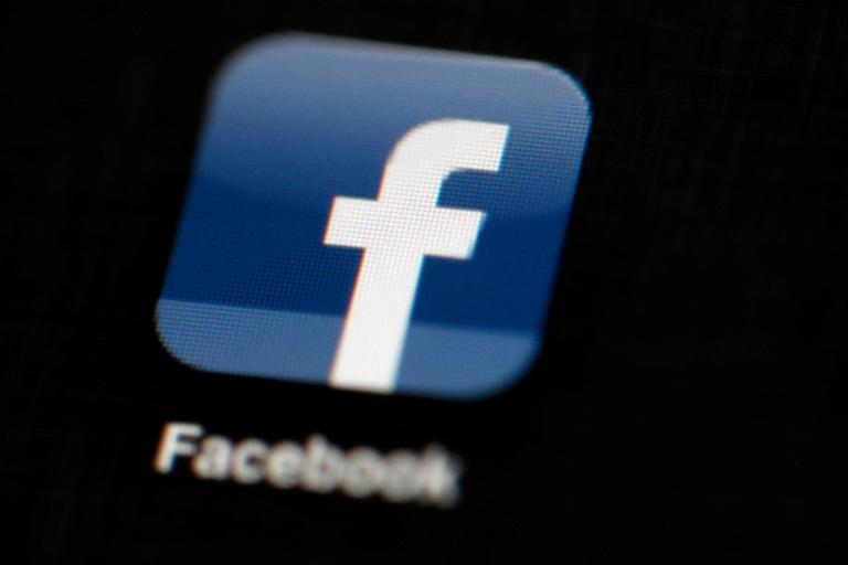 Facebook prohíbe los anuncios de accesorios para armas hasta después del Día de la Inauguración