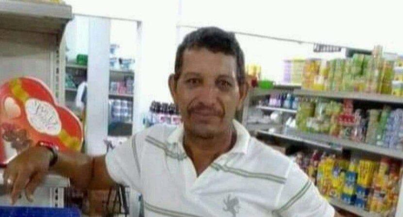Hombre muere al impactar su motocicleta con una caballo en La Vega