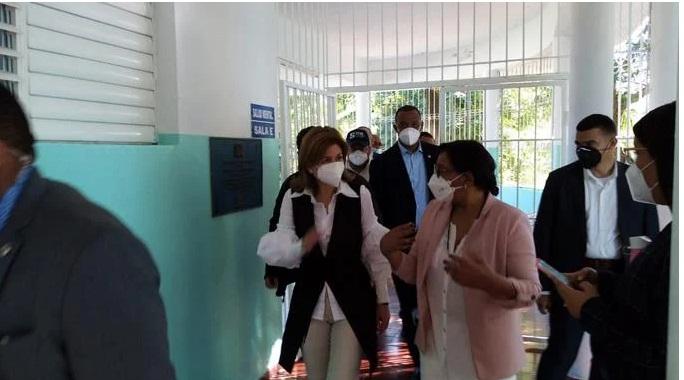 Hospitales públicos habilitan 263 nuevas camas para COVID-19