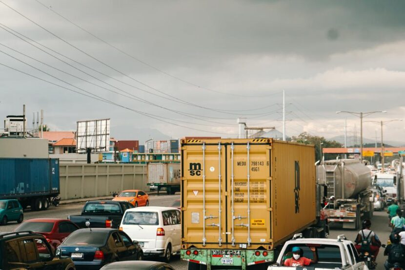 Industriales de Haina piden resolver extensos tapones en peaje del KM 12