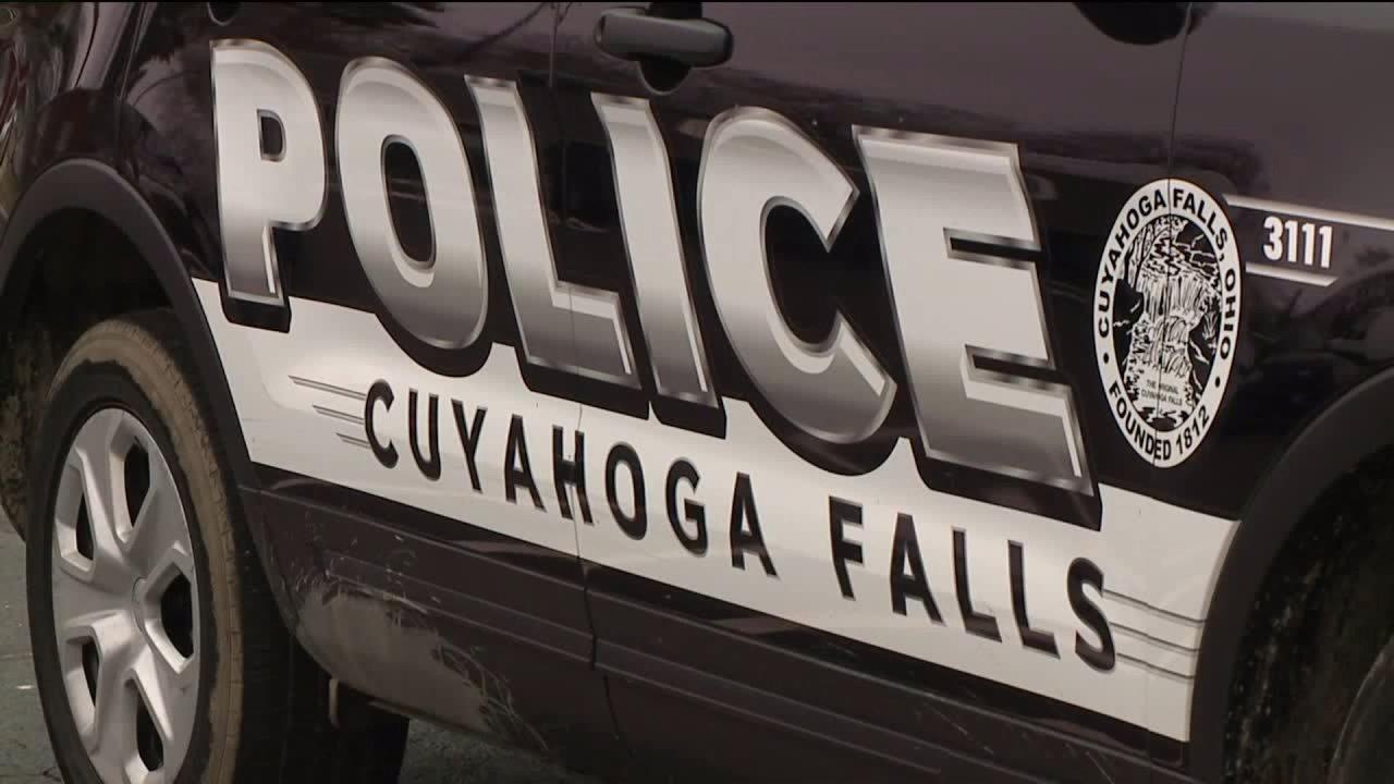 Niñera de Cuyahoga Falls acusada de poner la mano sobre la nariz y la boca del bebé