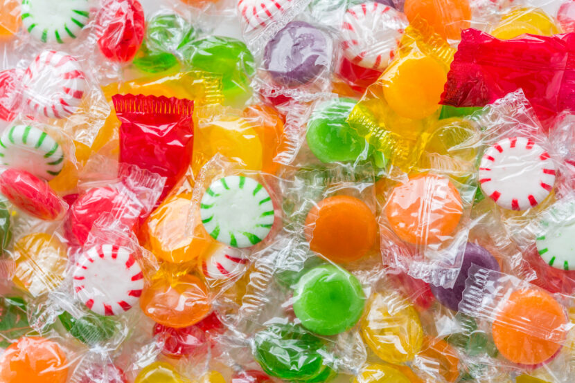 Investigadores del estado de Ohio utilizan caramelos duros para detectar probables casos de COVID-19