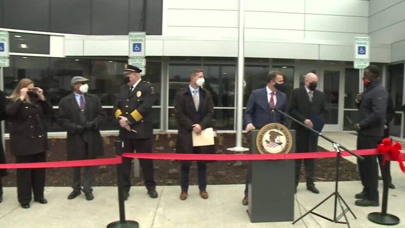 La policía de Cleveland marca la apertura de una nueva instalación del grupo de trabajo contra el crimen contra las drogas
