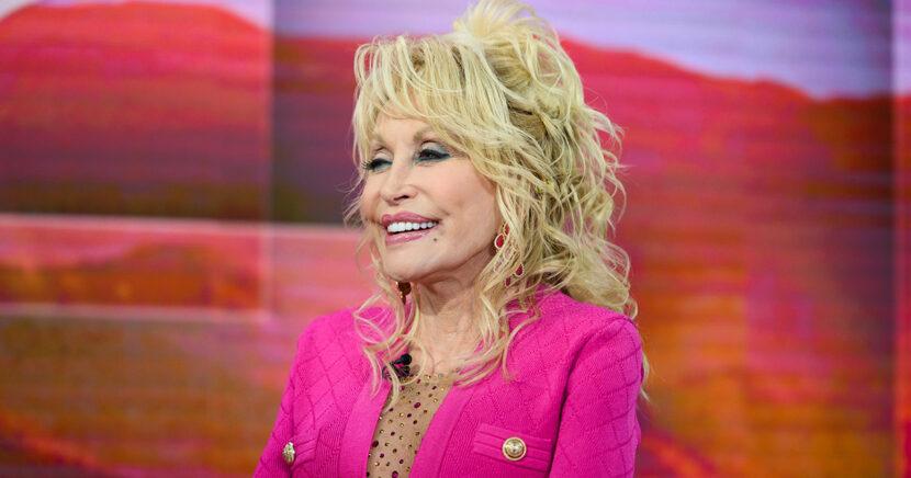 Legislador de Tennessee quiere que la estatua de Dolly Parton se agregue a los terrenos del Capitolio estatal