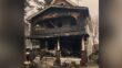 Los oficiales locales fueron elogiados por acudir al lugar del incendio de la casa, ayudando a los residentes a escapar