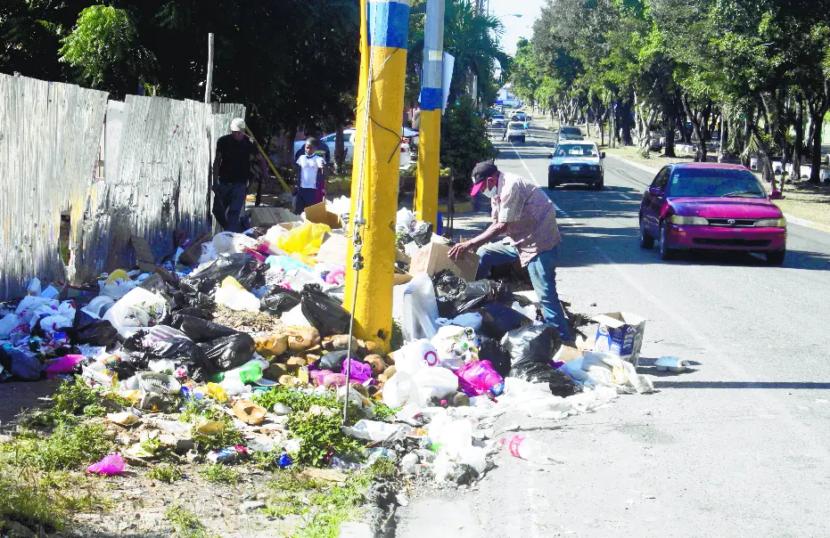 Manejo basura y reparación calles, desafíos alcaldes de SD
