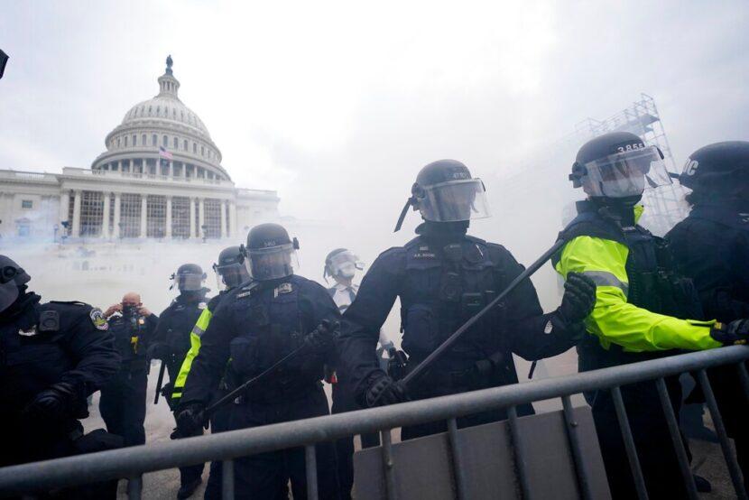 Miembros de la Guardia Nacional desplegados en medio de protestas en el Capitolio de EE. UU.