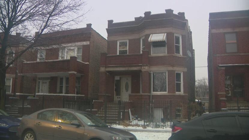 Mujer acusada por encontrar 7 niños en apartamento vacante en Chicago