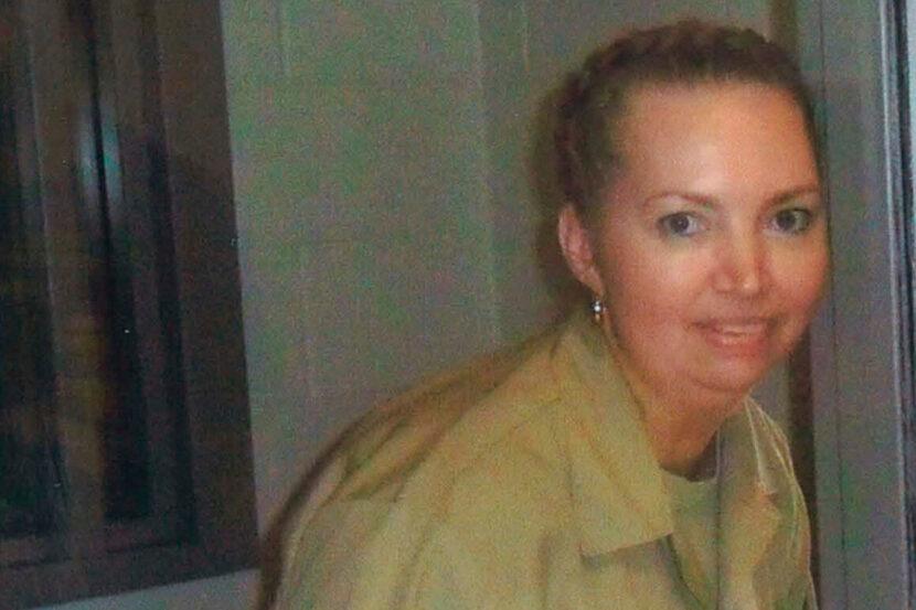 Mujer condenada a muerte por matar a una mujer y sacar a su bebé del útero