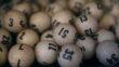 Mujer dice que el sueño de su esposo le llevó a ganar $ 60 millones en la lotería