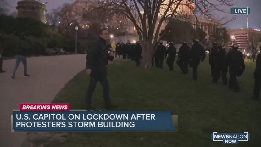 Observe cómo la policía despeja el área frente al complejo del Capitolio de EE. UU.