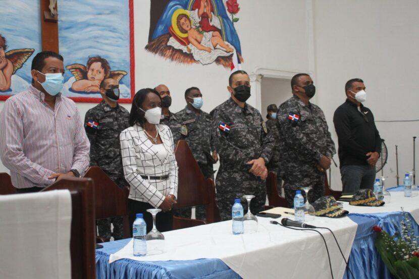 Director de la Policía Nacional realiza encuentro con comunitarios de La Zurza