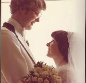 Encontraron el amor y su vocación en la Clínica Cleveland; ahora esta pareja está celebrando 46 años juntos