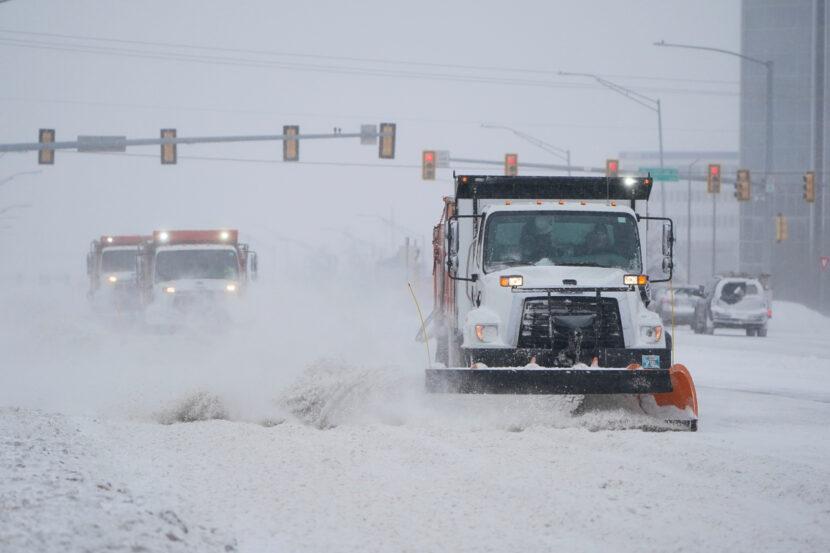 Frío y nieve peligrosos en Oklahoma y Texas
