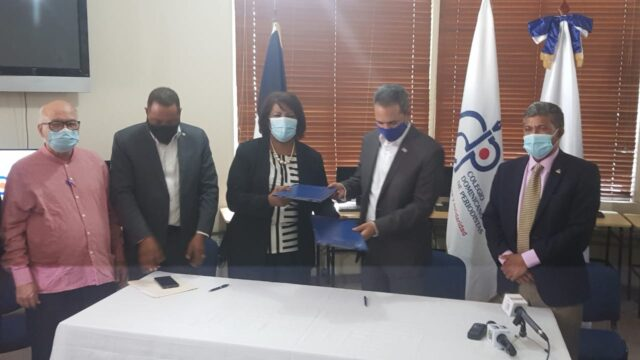 ITLA y el CDP firman acuerdo para capacitar periodistas en áreas