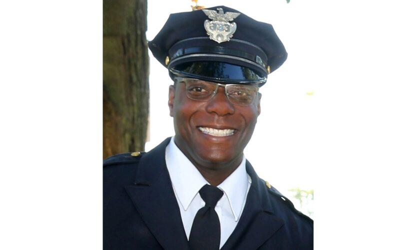 La División de Policía de Cleveland llora el fallecimiento del oficial