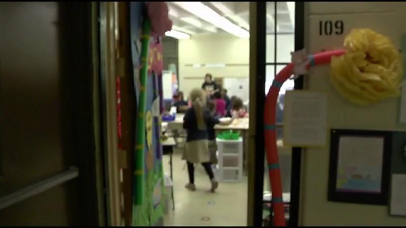 Las escuelas públicas de Akron buscan formas de cumplir con la fecha límite del 1 de marzo para el aprendizaje en persona