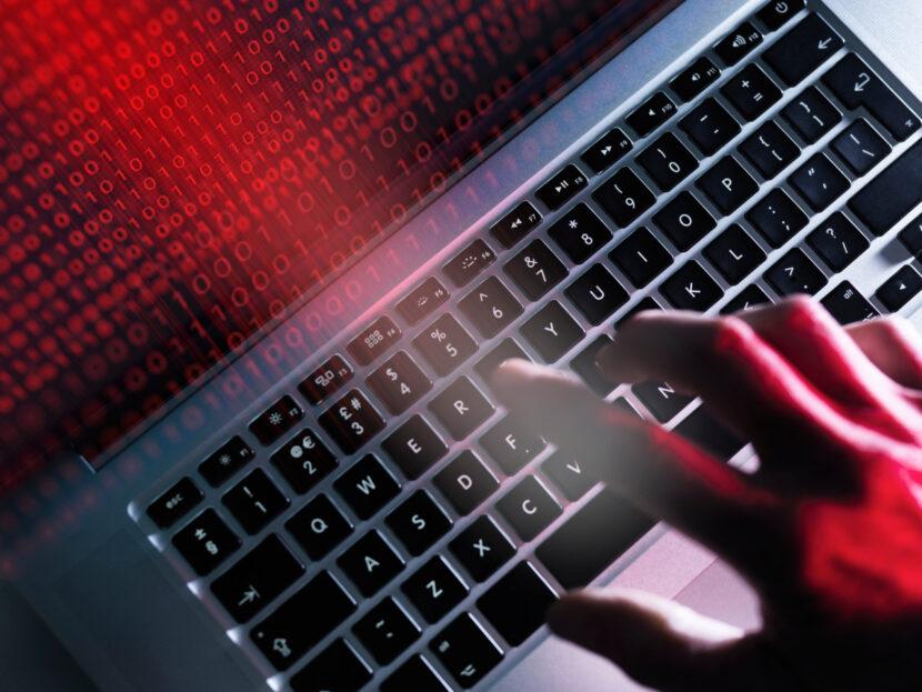 Los expertos en ciberseguridad advierten que los piratas informáticos pueden intentar interrumpir los sistemas de distribución de vacunas