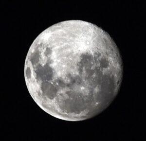 Luna llena de nieve, 3 planetas visibles este fin de semana