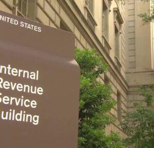 Millones de estadounidenses siguen esperando los reembolsos de impuestos federales de 2019