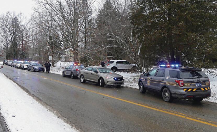 Oficial de Pensilvania dispara y mata al hombre que apuñaló fatalmente a una mujer