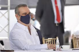 Presidencia informa a quiénes dona el salario Luis Abinader
