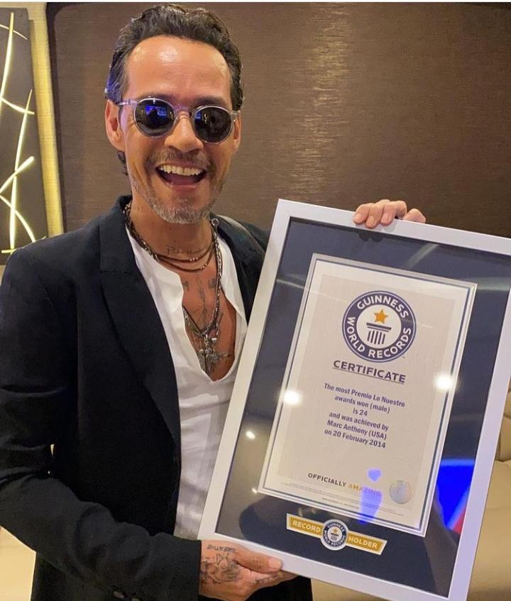 Salsero Marc Anthony recibe su tercer Récord Guinness