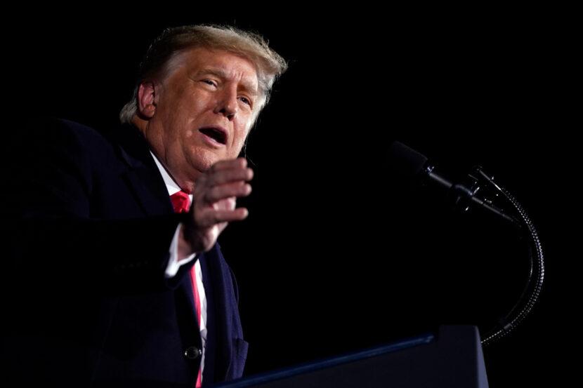 Trump califica la decisión de la Corte Suprema de detener las declaraciones de impuestos como 'continuación de la mayor caza de brujas política'