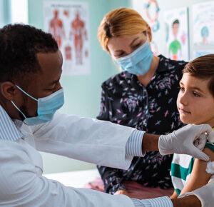 ¿Cuándo podrán los niños recibir las vacunas COVID-19?