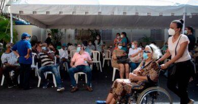 Autoridades disponen de ms de 800 centros de vacunacin durante la Semana Santa